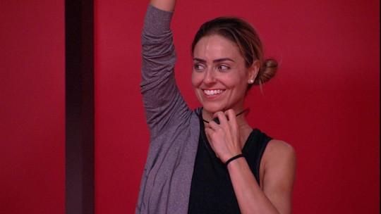 Paula brinca com Carolina: 'Conheço essa carinha de outros carnavais'
