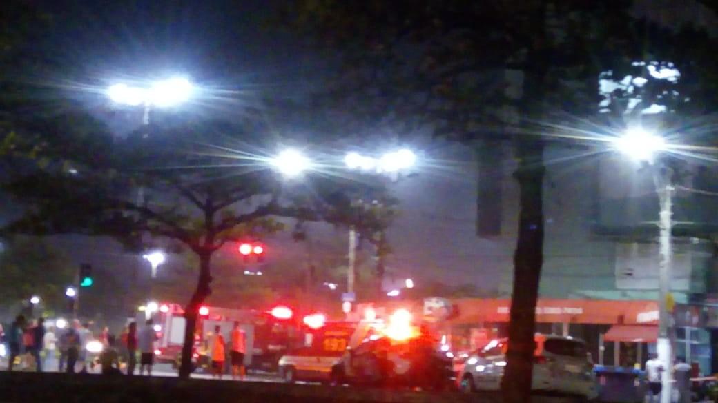 Incêndio atinge restaurante em Santos e assusta moradores - Notícias - Plantão Diário