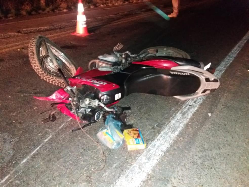Mãe e filha ficaram feridas após acidente com motos — Foto: Divulgação/PRF