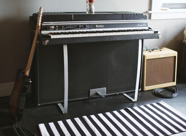 Truque caseiro para deixar seu tapete antiderrapante (Foto: Gimme Some Oven/Reprodução)
