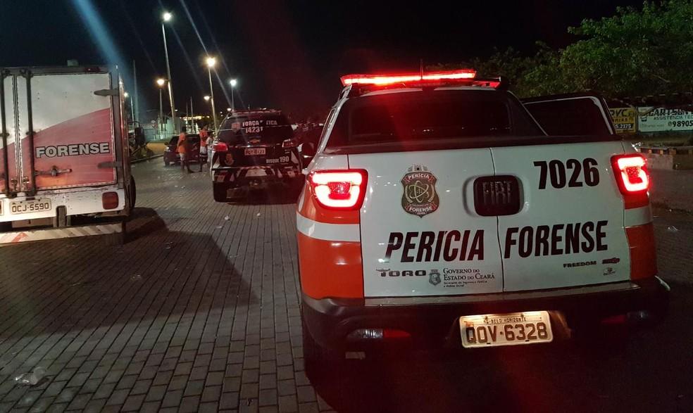 Vítima estava no local com amigos quando foi atacada. — Foto: Rafaela Duarte/ Sistema Verdes Mares