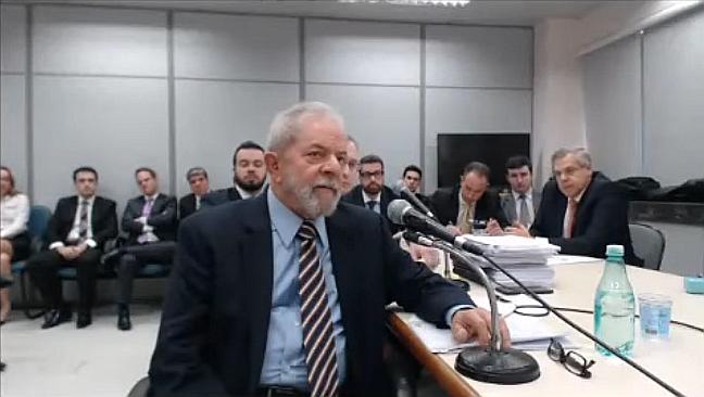 O ex-presidente Lula prestou, pela segunda vez, depoimento ao juiz Sério Moro  na ação penal em que é acusado de receber propina da Odebrecht. O ex-presidente voltou a negar todas acusações e se recusou a responder alguns questionamentos (Foto: Reprodução)
