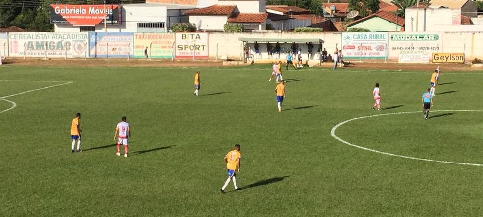 Palmas e Força Jovem  — Foto: Lucas Machado/TV Anhanguera
