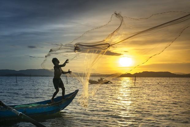 Marca de produtos de limpeza lança frascos de plástico retirado do litoral (Foto: Divulgação)