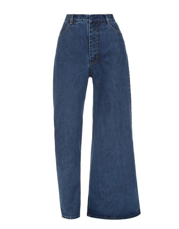 Calça jeans assimétrica (Foto: Reprodução/Instagram)