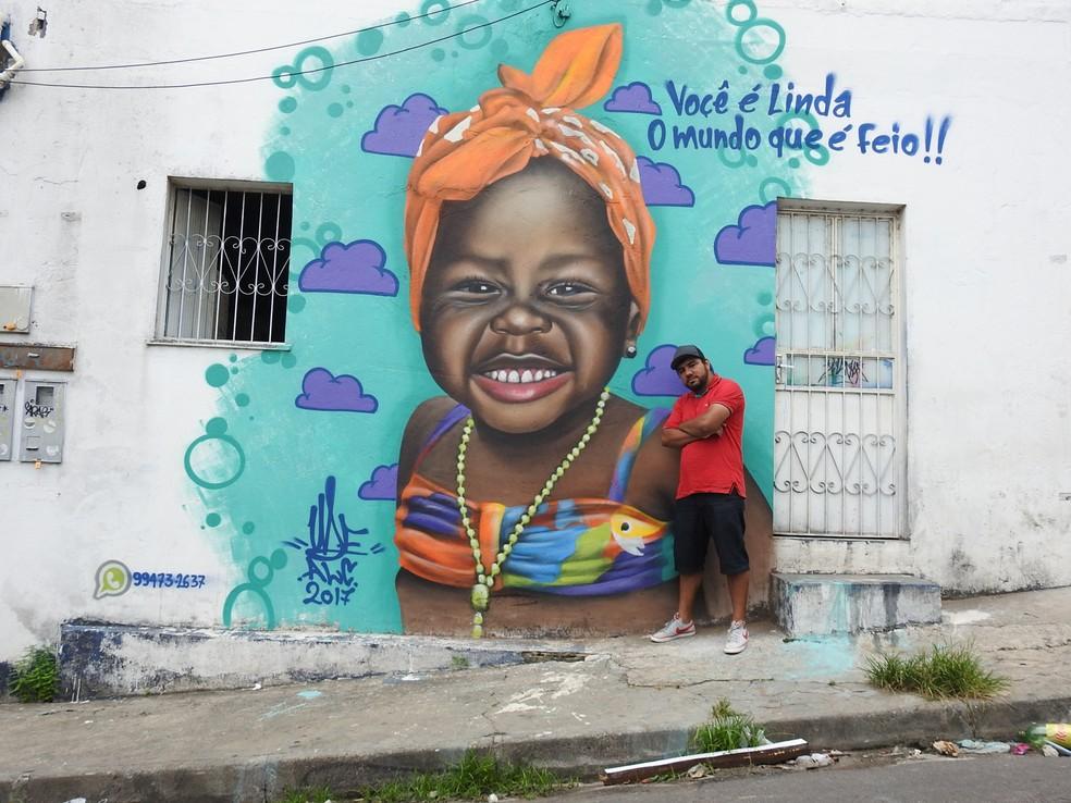 A arte foi pintada no muro de uma residência localizada no bairro da Redenção, Zona Centro-Oeste de Manaus. (Foto: Ariane Alcântara/G1 AM)