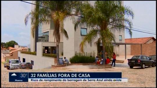 Mais de 30 famílias retiradas de povoado em Itatiaiuçu seguem hospedadas em hotel de Itaúna