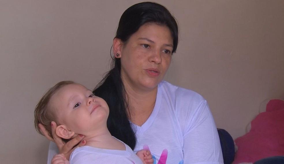 Mãe faz campanha nas redes sociais e em Marília para conseguir pagar o tratamento nos EUA  — Foto: TV TEM / Reprodução