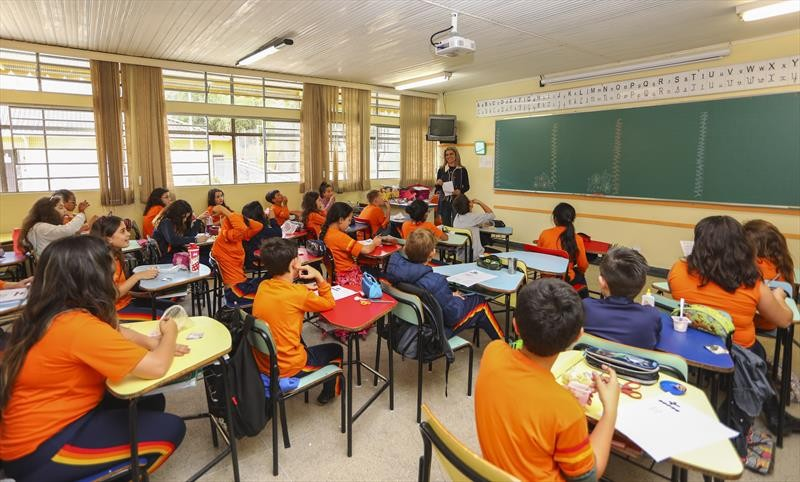 Prazo para cadastro de novos alunos na rede municipal de ensino de Curitiba encerra nesta terça (26); veja como fazer