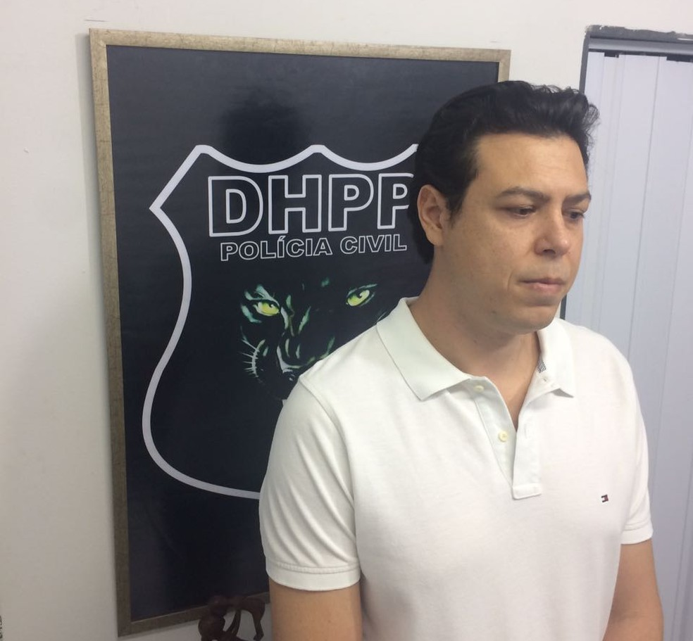 Duda Pereira se apresentou na delegacia de homicídios (Foto: Divulgação)