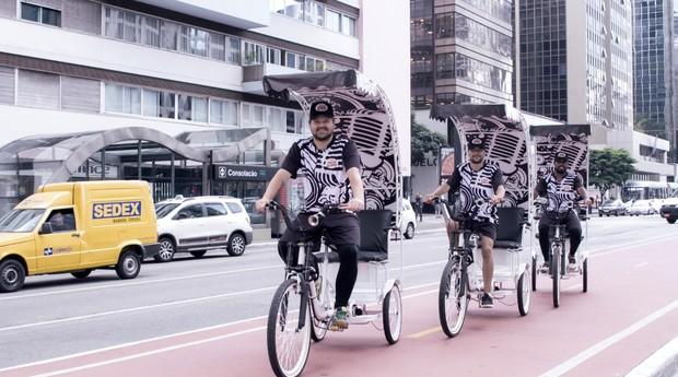 Carona Verde vende publicidade em seus triciclos  (Foto: Divulgação)