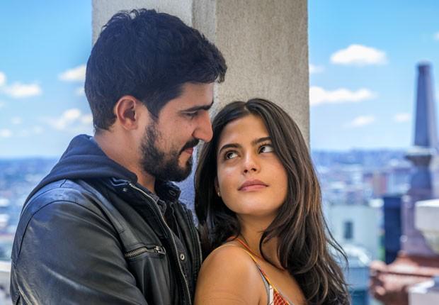 Jamil e Laila vivem um amor proibido em Órfãos da Terra