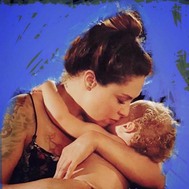 Pitty com a filha Madalena (Foto: Reprodução/Instagram)