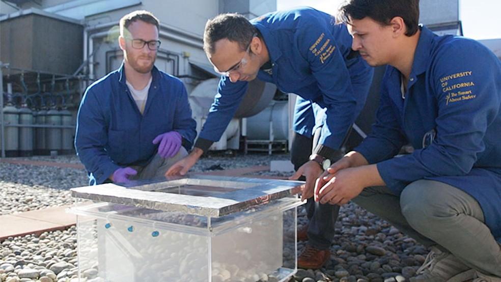 O aparelho pode ser usado em qualquer lugar do mundo e não usa eletricidade (Foto: Stephen McNally/UC Berkeley/Divulgação)
