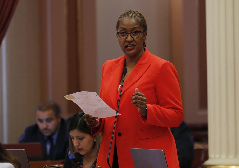 Senadora democrata Holly Mitchell, de Los Angeles (foto de arquivo). — Foto: Rich Pedroncelli/AP