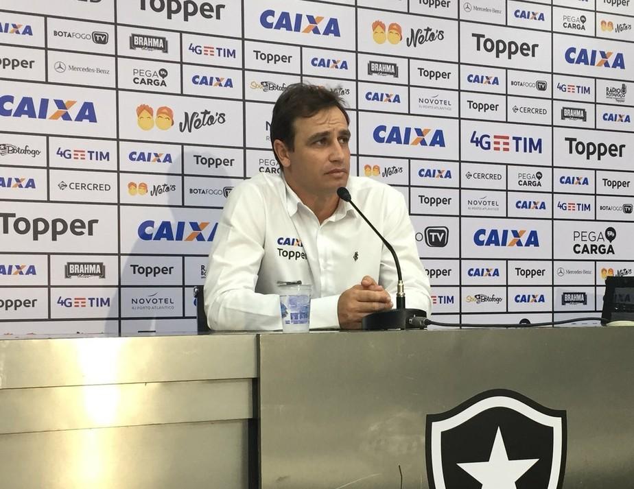 Felipe vê falta de concentração contra lanterna e rechaça Fla favorito: