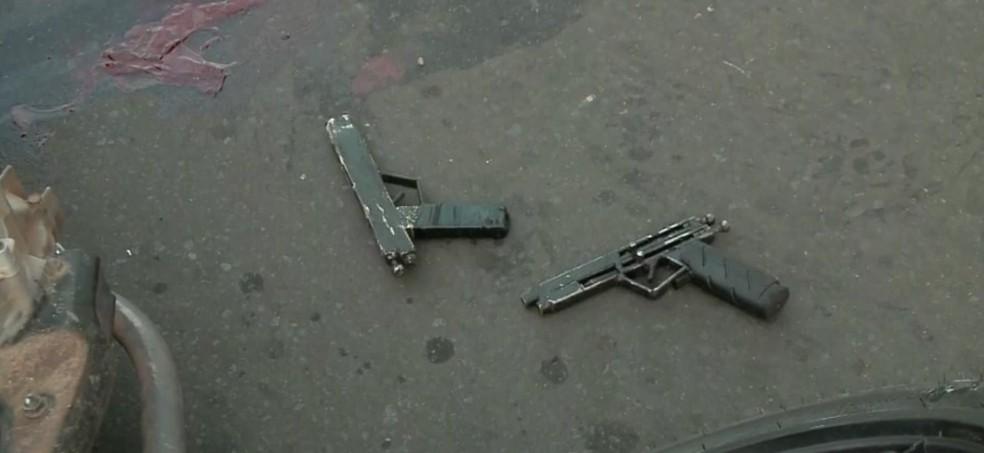 Suspeitos usavam armas de fabricação caseira — Foto: TV Clube
