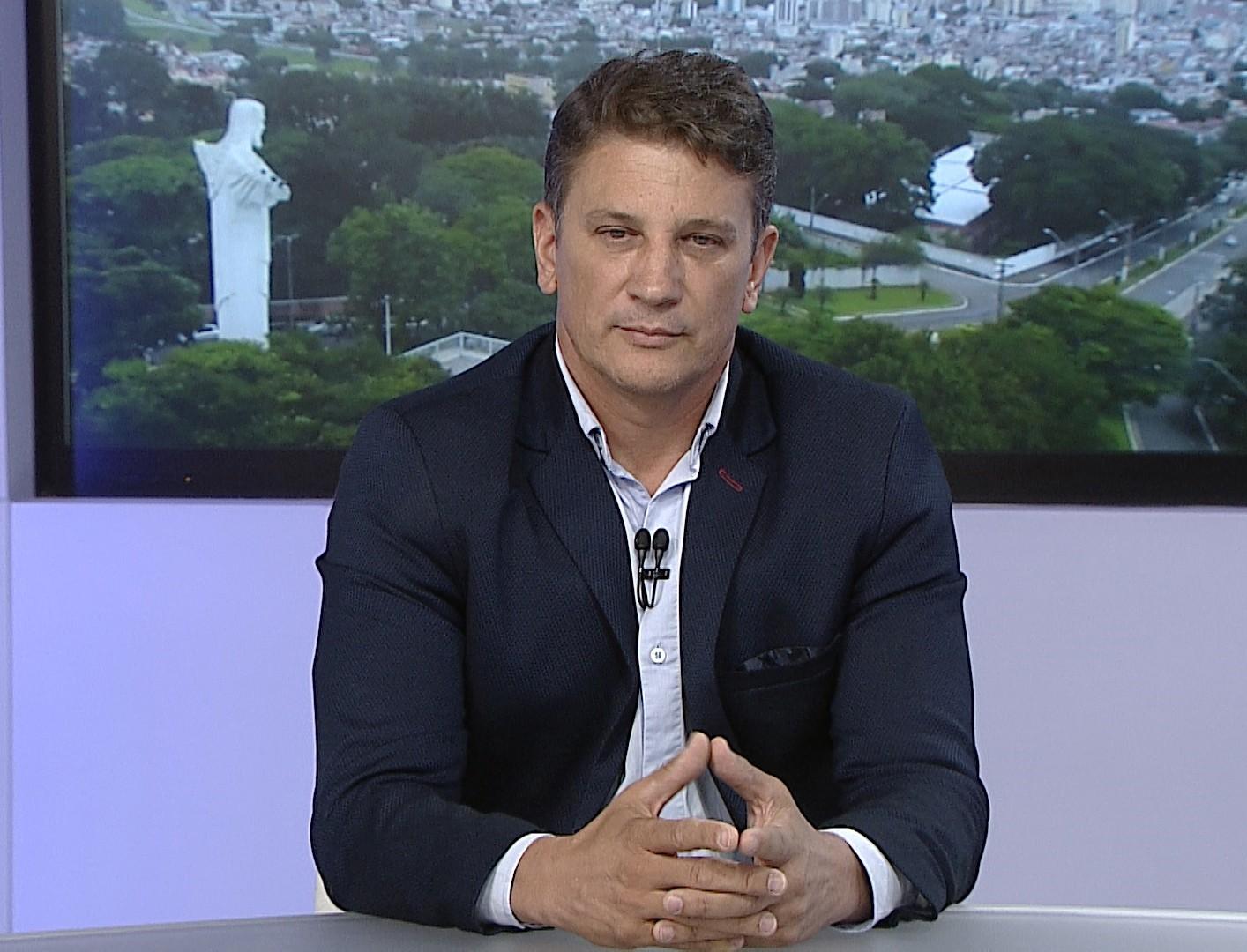 Prefeito de Pindamonhangaba, Isael Domingues, testa positivo para coronavírus