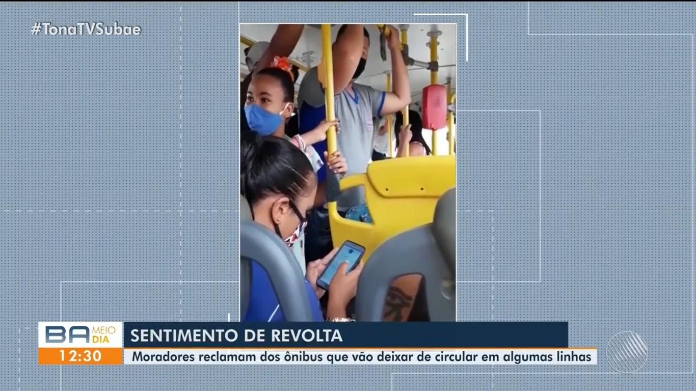 Moradores da zona rural de Feira de Santana reclamam do cancelamento de linhas de ônibus na região