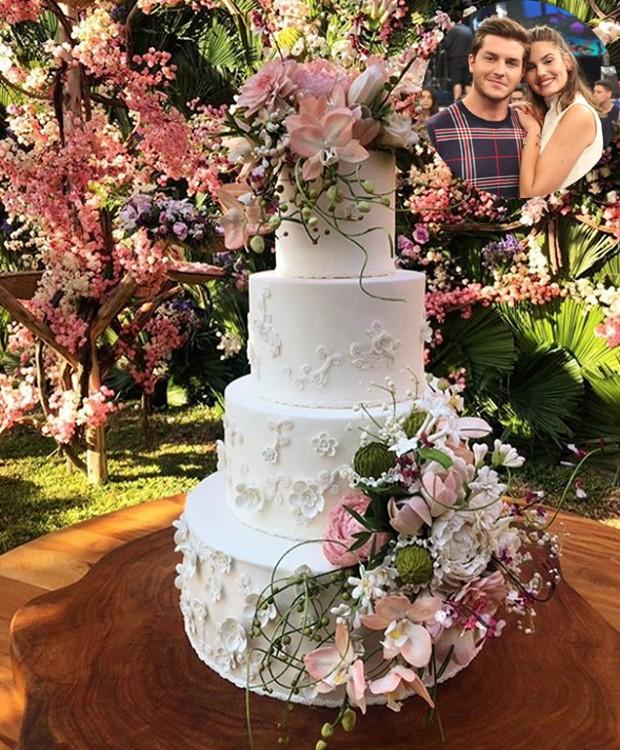 Bolo de casamento Klebber Toledo e Camila Queiroz (Foto: Instagram/ Reprodução)