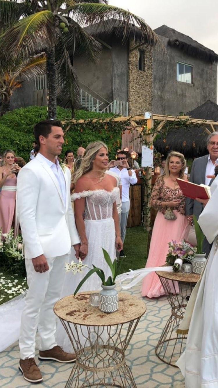Amaury Nunes relembra casamento com Karina Bacchi (Foto: Reprodução)