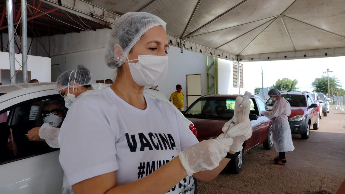 Vacinação contra Covid em pessoas de 60 anos ou mais continua neste domingo (18) em Rio Branco
