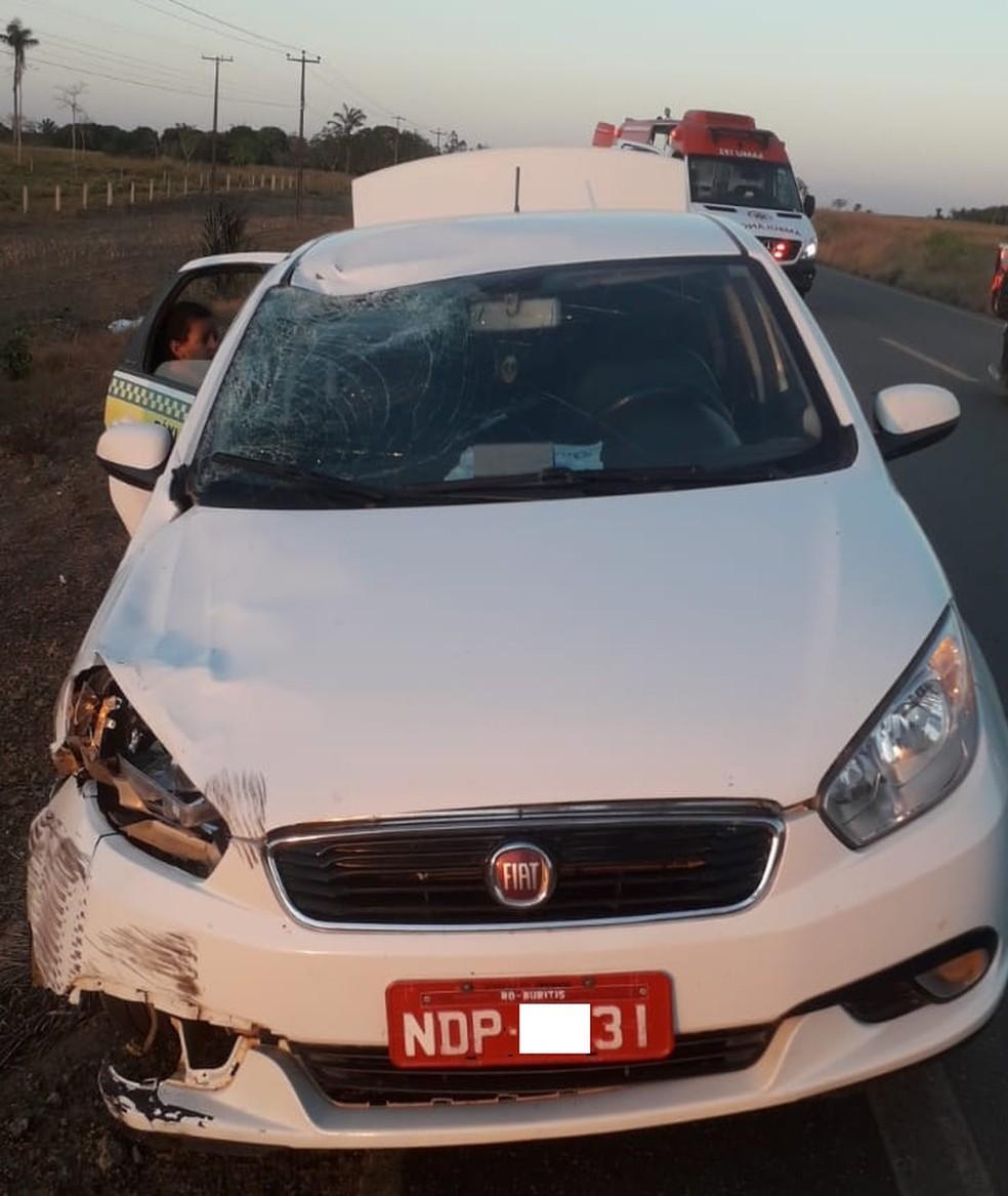 Táxi atropelou homem na BR-421 em Rondônia' — Foto: PRF/Reprodução