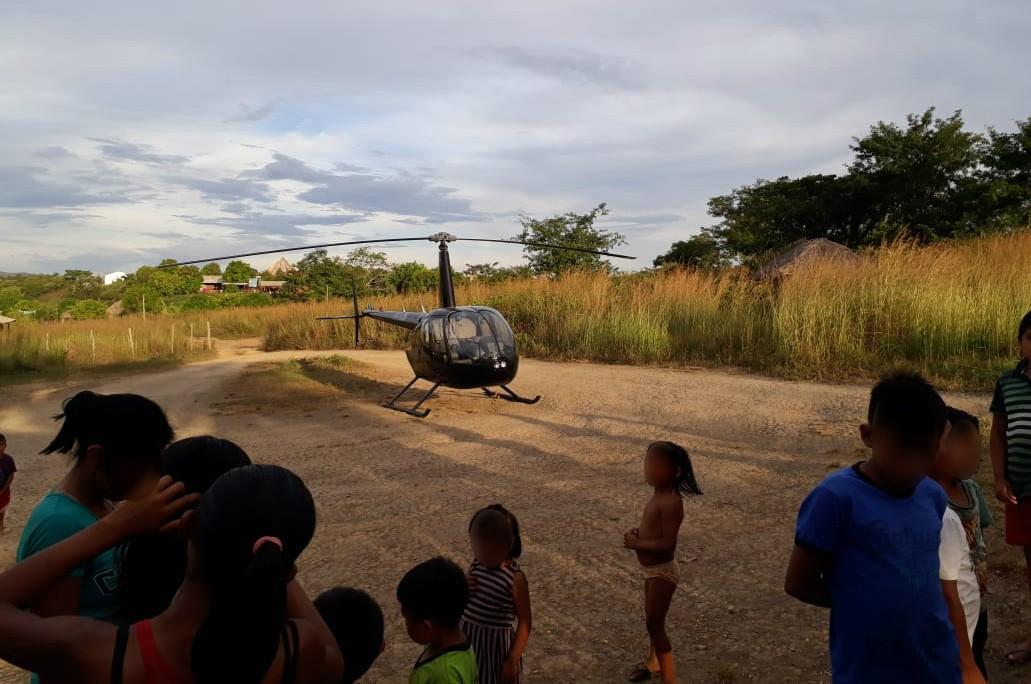 Helicóptero fica retido após tentar abastecer em comunidade indígena de Roraima - Radio Evangelho Gospel