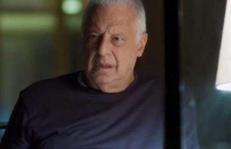 Na terça-feira (20), Alberto flagrará Paloma e Marcos (Romulo Estrela) conversando, e deduzirá que eles são amantes TV Globo
