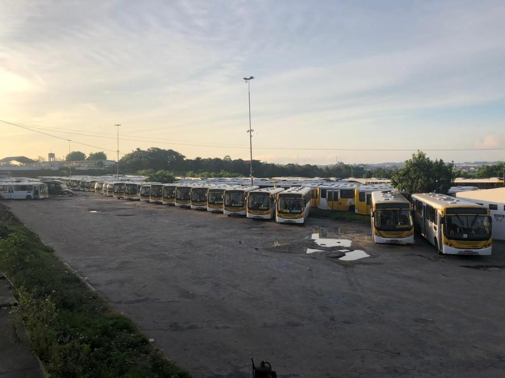 Em Manaus, ônibus foram retirados das ruas. — Foto: Matheus Castro/G1 AM