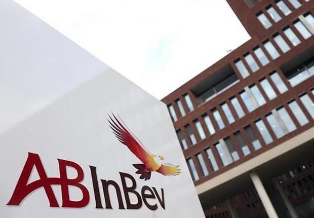 Fachada da AB InBev em sua sede na cidade de Leuven , na Bélgica (Foto: François Lenoir/Reuters)