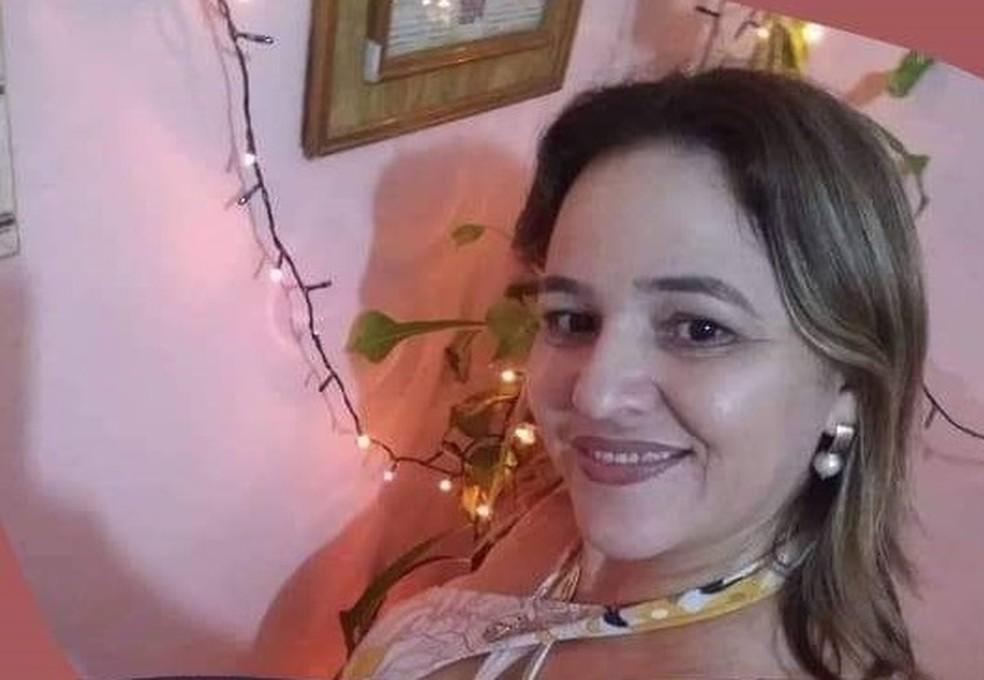 Maria Gomes de Lima, 44 anos, foi atingida com disparos de arma de fogo em via pública em Crateús e não resistiu aos ferimentos — Foto: Reprodução