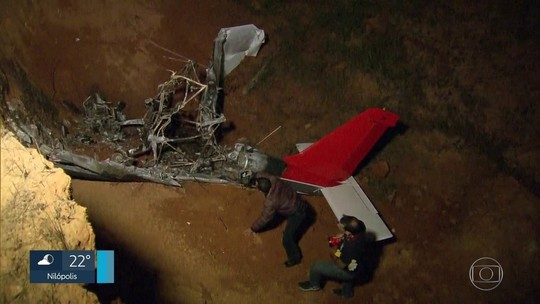 Ultraleve bate após decolar, explode e deixa 2 mortos no Rio