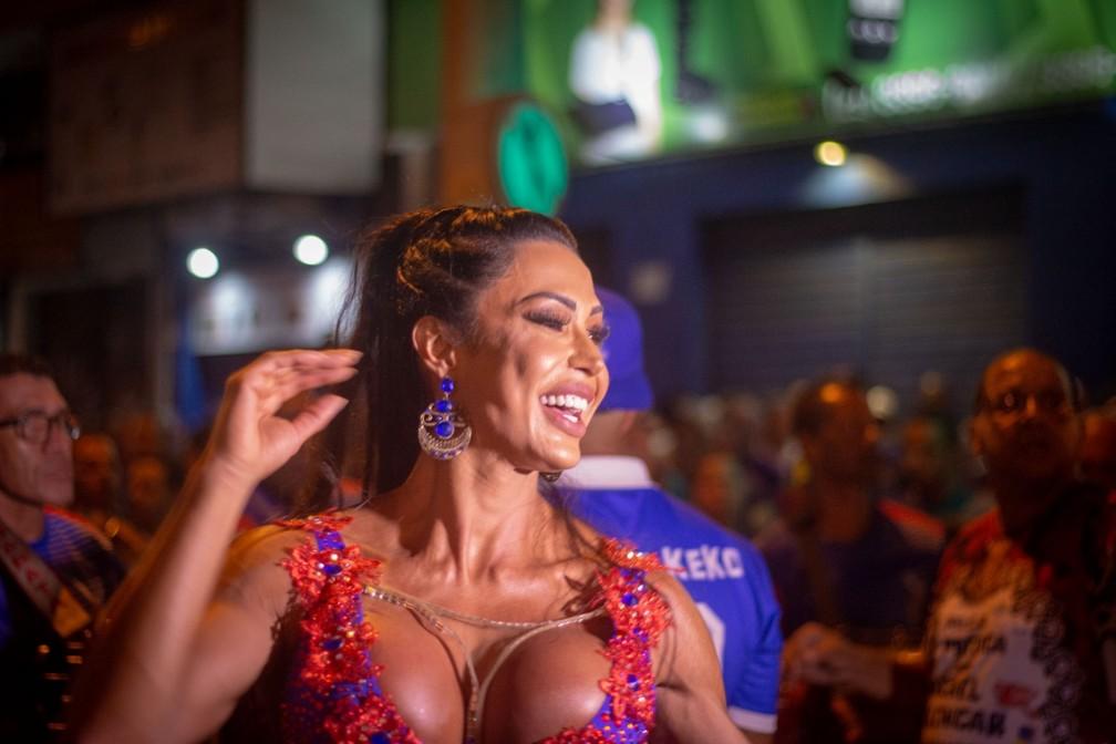 Gracyanne Barbosa está no terceiro carnaval como rainha de bateria da União da Ilha — Foto: Leonardo Callenzo/ Dibulgação