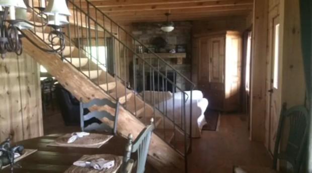 Podem se hospedar até 6 pessoas na cabana (Foto: Divulgação)