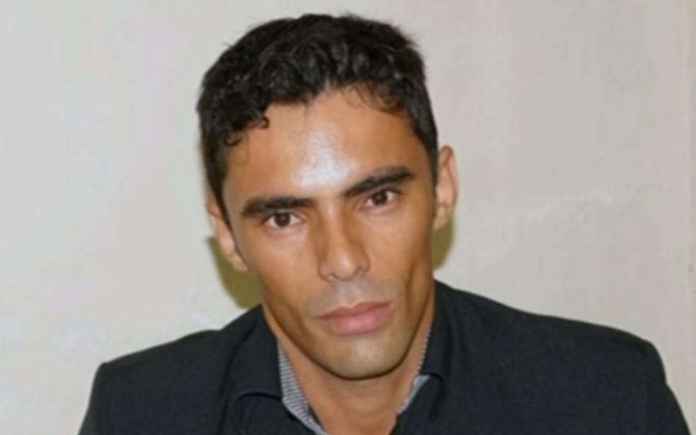 Luiz Carlos Barcelos (PDT) foi preso suspeito de atropelar e matar uma idosa, mas vai responder em liberdade (Foto: Reprodução/TV Anhanguera)