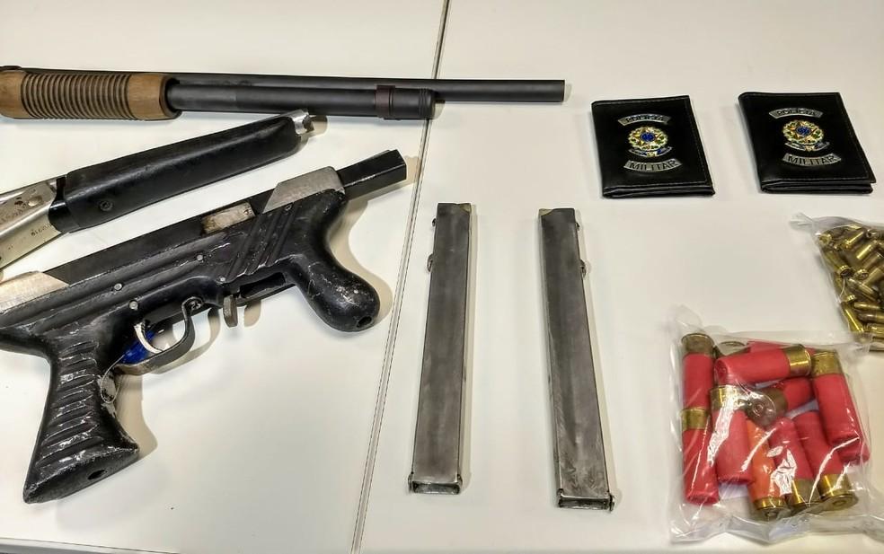 Armamento encontrado com foragido da Justiça de Pernambuco — Foto: Paulo Abreu/Polícia Civil