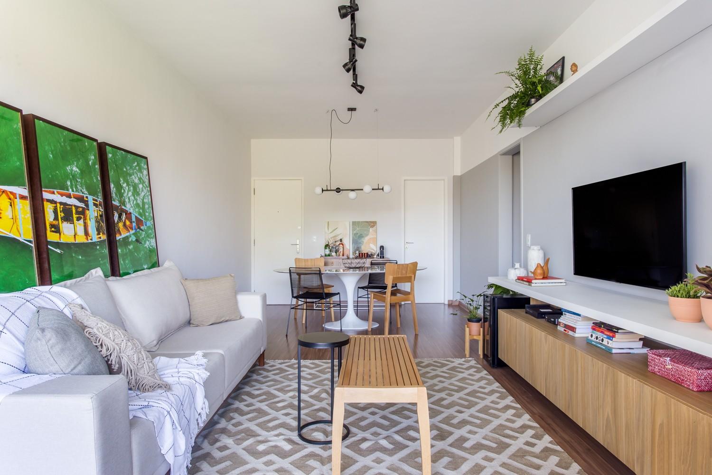 Apartamento alugado é repaginado com soluções de pintura e marcenaria