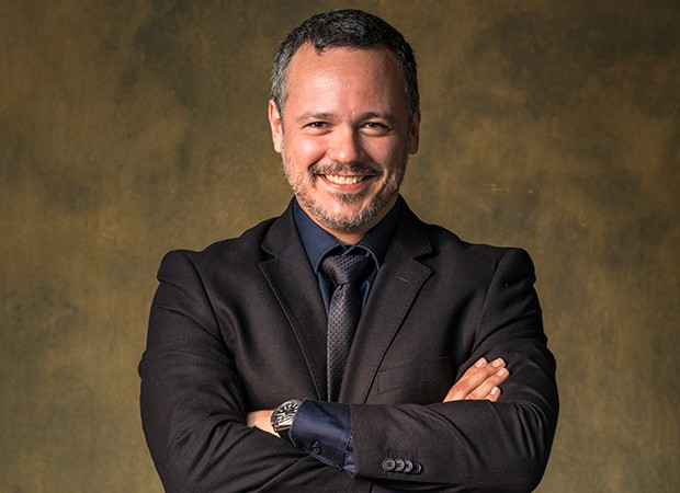 Almeidinha é interpretado por Danton Mello (Foto: Globo/Paulo Belote Globo/Paulo Belote)