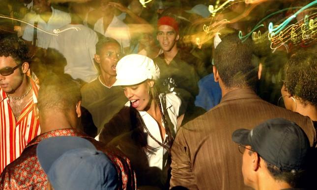 O baile charme do Viaduto de Madureira