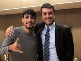 Lucas Paquetá tieta o ex-zagueiro Maldini em Milão: 'Lenda' (divulgação)