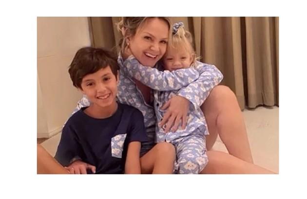 Eliana comemorou a cura do Covid-19 e o fato de poder voltar a abraçar os filhos (Foto: Reprodução)