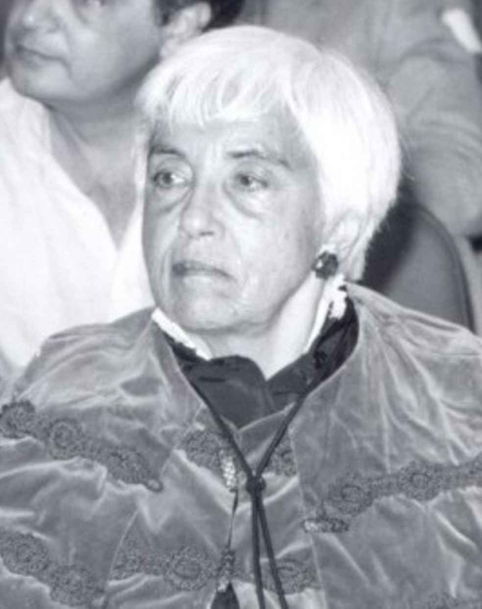 Após perder a vaga para outro homem, Alice Piffer Canabrava se tornou a primeira professora catedrática da USP em 1951. (Foto: Divulgação/FEA)