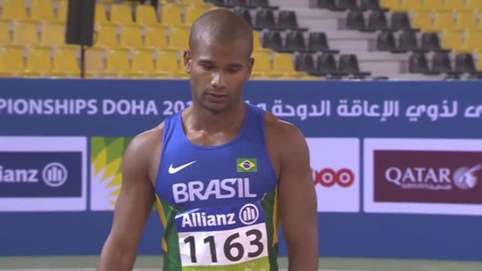 Alan Fonteles erra na largada, mas vai à final dos 200m com Richard Browne