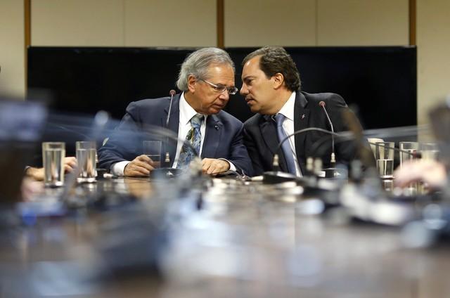 Guedes dá tom político a um ato que já era rotina desde o governo passado: o 'despedalar'