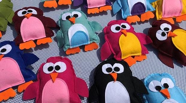 Com esses pinguins de pano, crianças inglesas lucraram mais de R$ 1000 (Foto: Divulgação/Stride)