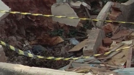 Calçada destruída provoca queixas de moradores em bairro de Limeira