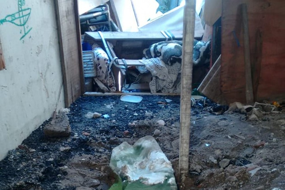 Corpo foi encontrado por policiais após investigação em São Vicente, SP — Foto: Divulgação/Polícia Civil