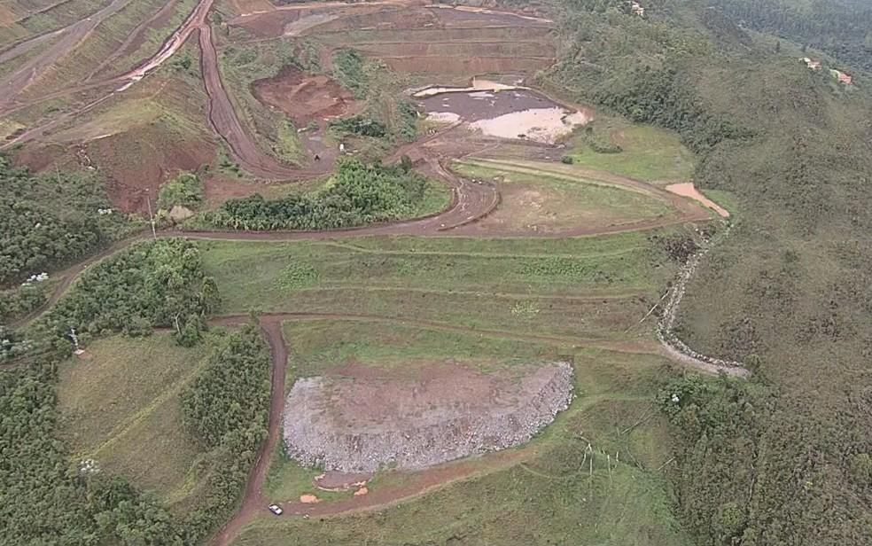 Área da barragem B3/B4, na mina Mar Azul, em Nova Lima — Foto: Reprodução/Globocop