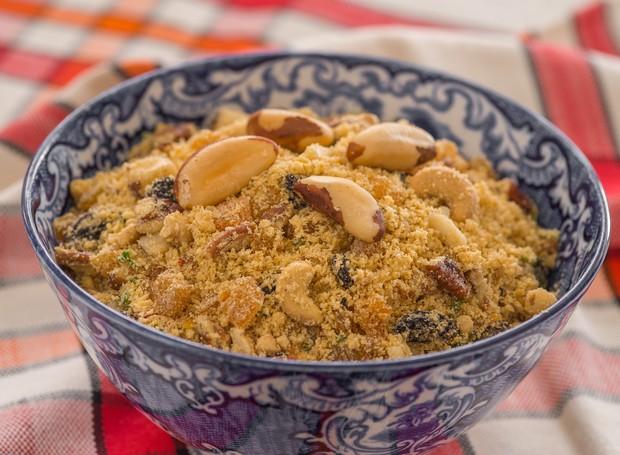 Receita de farofa com castanha, da Yoki (Foto: Divulgação )
